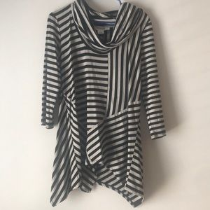 NWT. Black and gray asymmetrical tunic